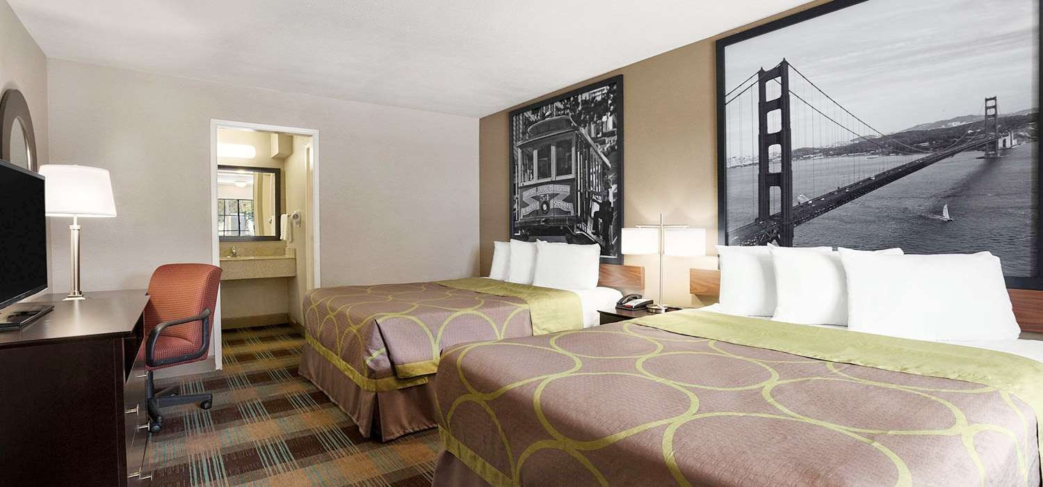 ENJOY CONTEMPORARY ROOMS WITH WELL-APPOINTED LIFESTYLE AMENITIES AT OUR SALINAS, CA HOTEL