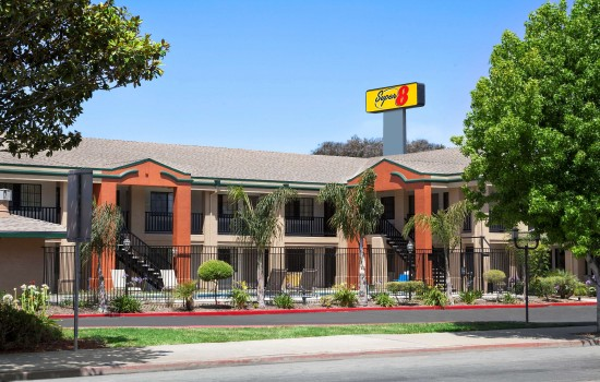 Welcome To Super 8 Salinas - Welcome To The Super 8 Salinas